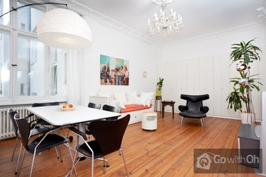 Charming Apartment For 5 People · Charlottenburg, Berlin
