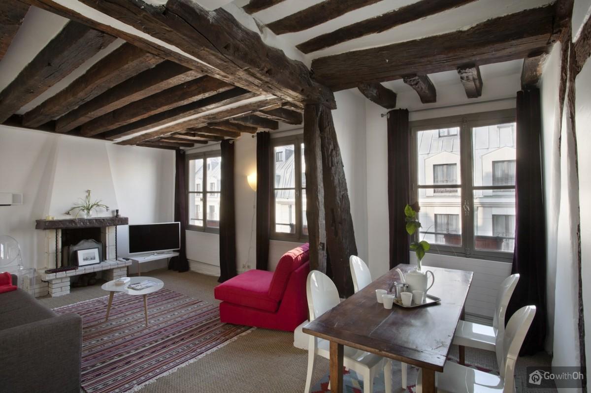 Paris vacation rentals: Duplex for four in the heart of Paris