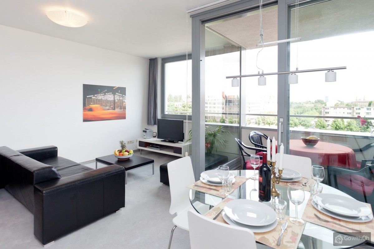 Quality Apartment With Amazing Views For Up To Four Guests # Muebles Den Haag