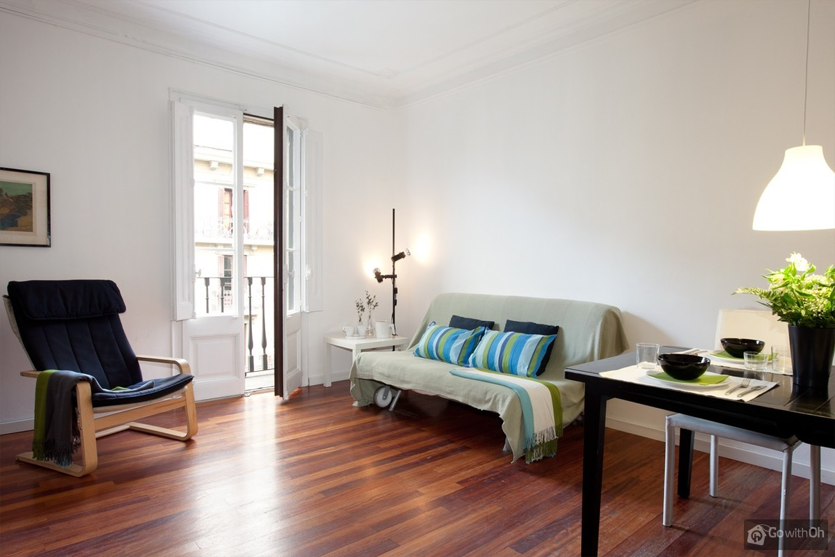 Elegant Holiday Apartments Barcelona: Centrally Located.
